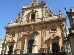 Kirchenfassade San Pietro